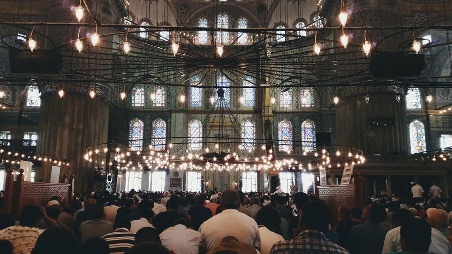 Friday prayers at the Blue Mosque in Istanbul. My first time in the city and am here for a few days. If anyone wants to recommend places to eat + photograph, things to do and areas off the tourist path, would much appreciate it. Open Edit Istanbul Turkey Getting Inspired Open Edit Traveling Travel Street Photography Mosque Worship VSCO Shootermag EyeEm Gallery