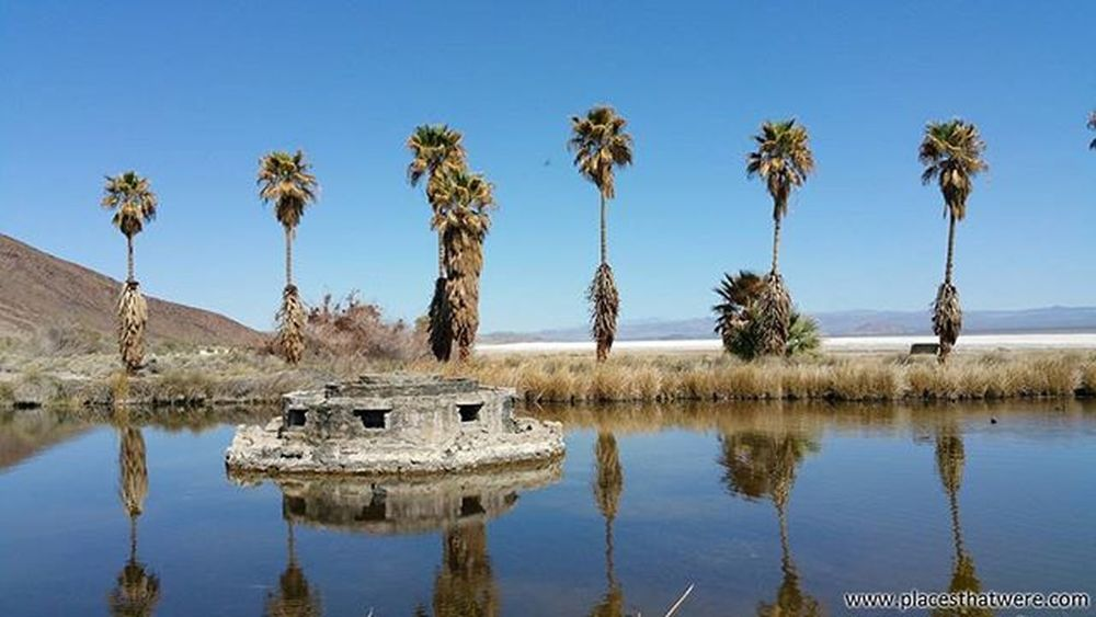 Old fountain of Zzyzx Abandoned California Urbanexploration Urbex Abandonedplaces Zzyzx Picoftheday Mineralsprings Abandonedcalifornia Abandonedamerica Zzyzxcalifornia Photography Amazingplaces Saltflats Sodasprings Mojave MojaveDesert Desertstudiescenter Abandonedbuilding