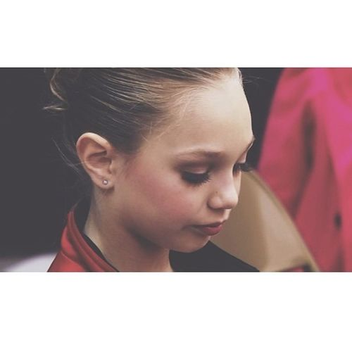 i love you. you love me. we are a happy family. but my sister forgot her emails to good usernamesss. yah. Dancemoms Maddieziegler