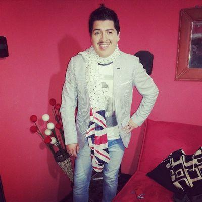 Listo me voy a @ClubDivino con @Rickyestilista !! Top Style