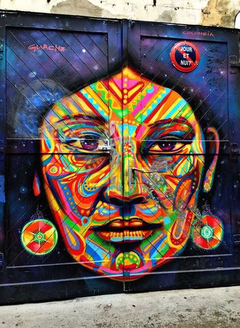 Keeping it real with street art... Hello World Traveling Texan Gal Summer 2016 Hackescher Markt Street Photography Graffiti Art Artistic Expression EyeEmBestPics Eye4photography  Colorphotography EE Love Connection! My Holiday 2016
