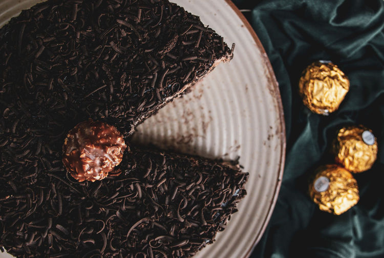 ferrero Rocher cake Cake Chocolate Cake Ferrerorocher Chocolate Slice Of Cake Slide Of Chocolate Cake From Above  Flat Lay Food Flat Lay Copy Space Food Food Photography Indoor High Angle View Close-up Sweet Food Pastry Dessert Christmas Cake