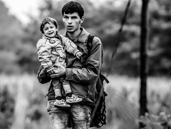 Untold Stories Refugees Helping Refugees Blackandwhitephotography Blackandwhite The Photojournalist - 2015 Eyeem Awar The Moment - 2015 EyeEm Awards Social Socialmedia Peoplephotography