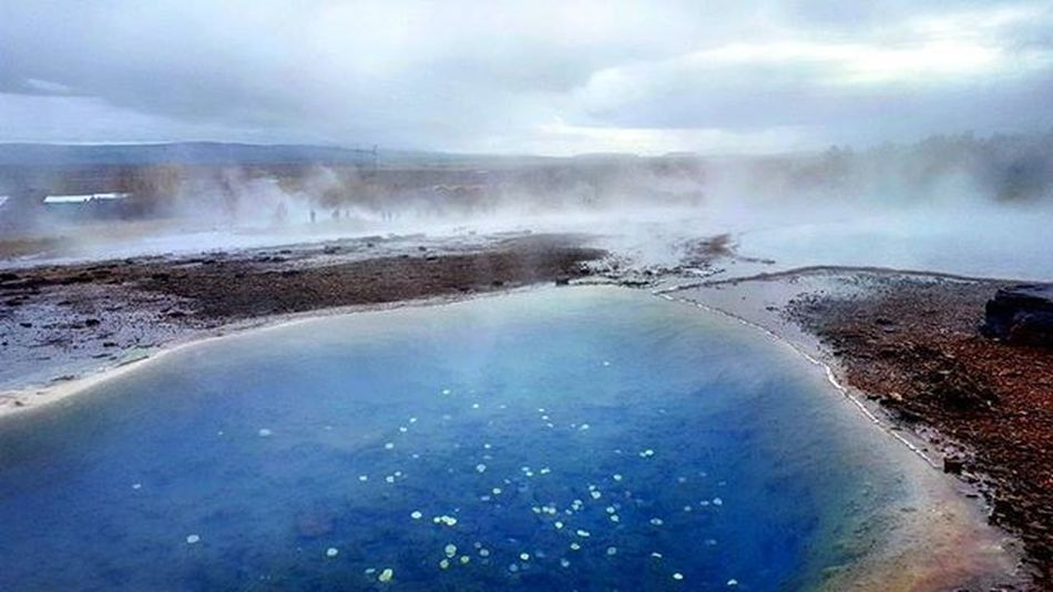 The natural hot springs of Iceland. Iceland has about 250 geothermal areas producing 800 hot springs with an average temperature around 75°C / 167°F. AdventureThatIsLife Thatadventurelife Wheniniceland Whyiceland Letsflythere Optoutside