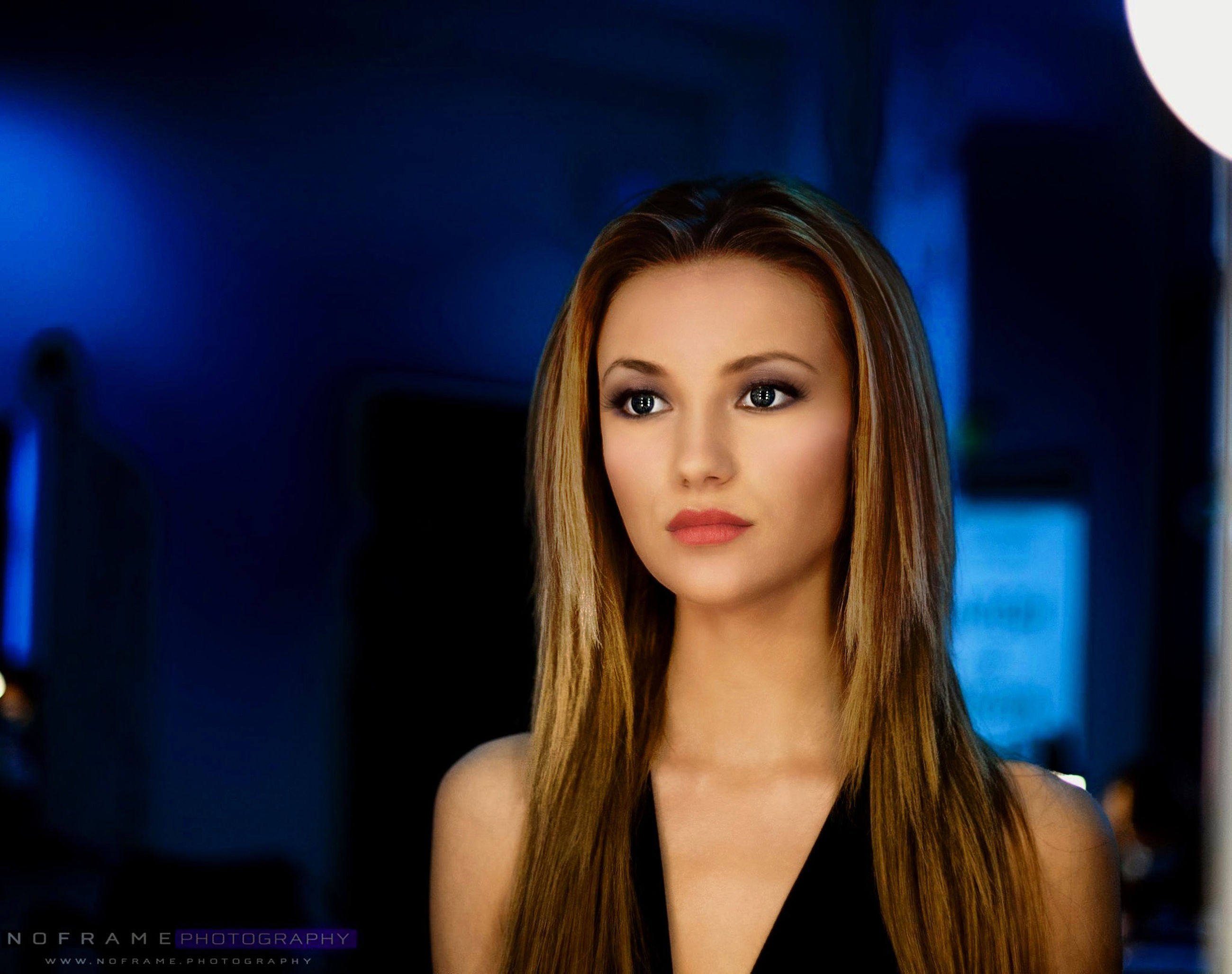 portrait, young adult, young women, looking at camera, headshot, long hair, person, front view, lifestyles, head and shoulders, focus on foreground, smiling, indoors, close-up, leisure activity, beauty