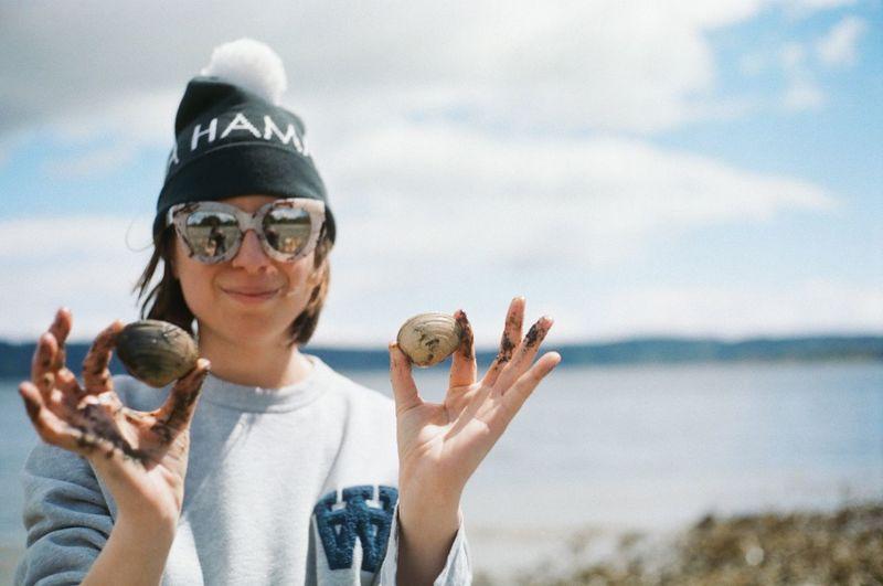 Beach Clam Kodak Portra Leisure Activity Lifestyles Minolta Nature Outdoors Portrait