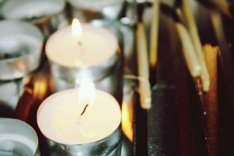 EyeEmNewHere Flame Candle Burning Heat - Temperature Close-up Tea Light Illuminated Macroshot
