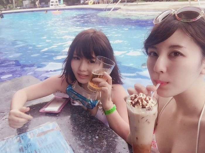 2016:0926 cebu trip プール&バーで飲んで遊んでスノーケリングもしたよ。 Girls Water Drink Sweet Food Vacations Trip Love Friends Pool Poolbar
