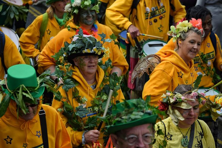 Smiling Jack In The Green Festival Jack In The Green May Day 2017 East Sussex Hastings Celebration Carnival Performance Parade Pagan Festival Pagan Traditional Festival Face Paint Large Group Of People Arts Culture And Entertainment Togetherness Celebration Outdoors Women Friendship Teamwork Happiness Multi Colored People
