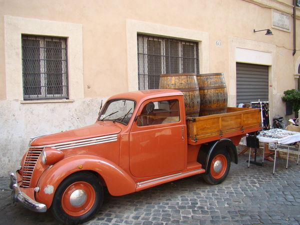 Old Car with casks Beer Car Casks Italy Oldcar Summer Torri Del Benaco Torridelbenaco Wine