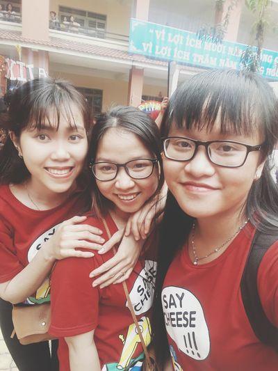 Eyeglasses  Girls Smiling Togetherness Portrait Teenage Girls Teenager