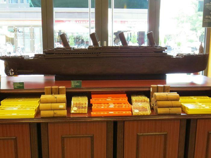 El Titanic Echo De Chocolate en la Tienda de Chocolate más grande del mundo que esta en Berlin
