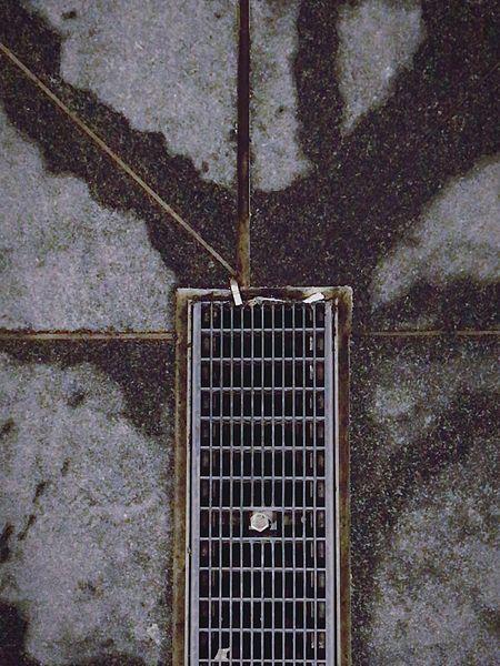 Metal Metal Grate Outdoors Rusty No People Close-up Detail Metal Grid Regenrinne Drainage Channel Drainage Ostkreuz Berlin