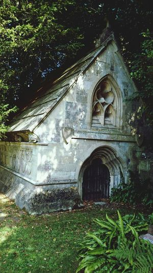 The English countryside hold so many hidden treasures of architecture. Architecture Church Cemetery Hampshire