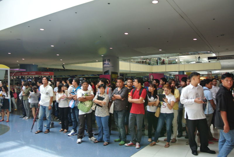 Crowd Crowds Indoors  Large Group Of People Mall Of Asia Event Mall Of Asia Pasay Philippines People Waiting