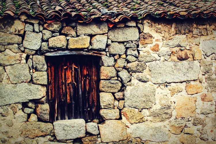 Built Structure Architecture No People Outdoors Building Exterior Day Rural House Wood Window Deteriorated Stone Wall Check This Out EyeEm Gallery Burgohondo The Architect - 2017 EyeEm Awards