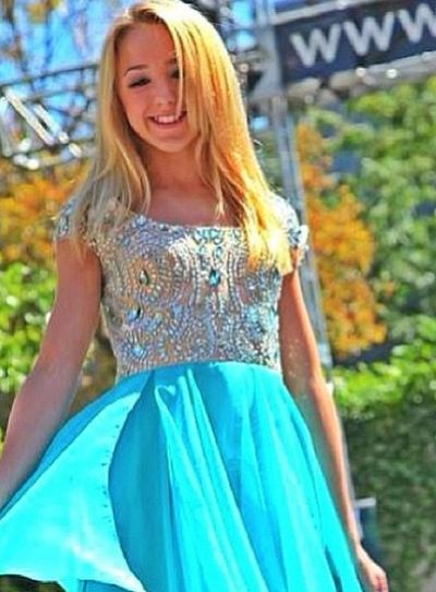this picture is beyond perfection!! Dancemoms Paigehyland Chloelukasiak