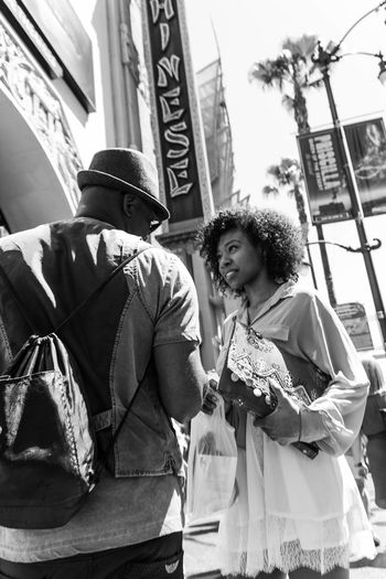 Hollywood conversation. America Black And White California California Love City City Life Conversation Couple La Life Los Angeles, California Los Ángeles Losangeles People People Watching Pretty Girl Pretty Woman Street Life Street Photography Streetphotography Travel Travel Photo Travel Photographer Travel Photography Travel Photos
