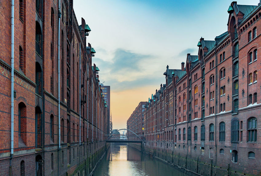 Getty Images No People Tranquility Sunset Afternoon Bridge Bridge - Man Made Structure Waterfront Water Canal Hamburg Speicherstadt Hamburg Speicherstadt UNESCO World Heritage Site Buildings Building Exterior Getty Images Premium Collection Evening Clouds And Sky The EyeEm Collection Cloud - Sky Travel Destinations The Past Waterfront My Best Travel Photo