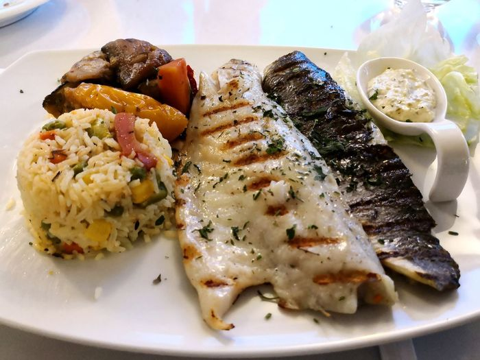 Fish cuisine Foodphotography Food Fish Fisch Essen Reis Hauptspeise Lecker Ernährung Taking Photos Tadaa Community Enjoying Life EyeEm Selects Plate Seafood Rice - Food Staple Gourmet Healthy Lifestyle Lunch Close-up Food And Drink Main Course Fillet Dish