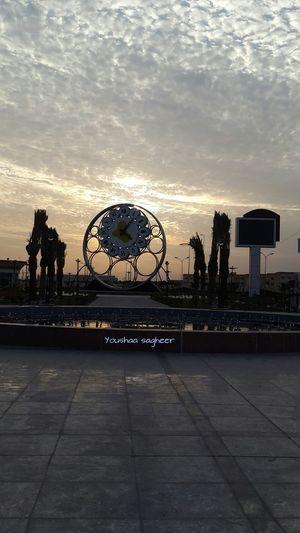 الجانب الآخر من نصب الحريه في محافظة البصرة في العراق بكاميرا Galaxy s5