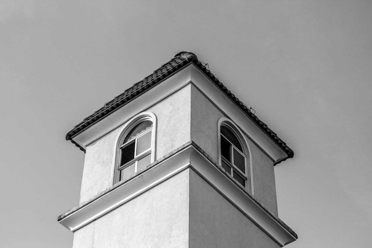 architecture, building exterior, built structure, low angle view, window, no people, house, day, clear sky, outdoors, sky