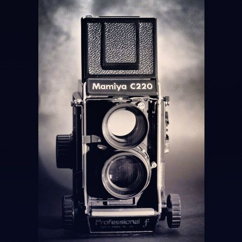 Mamiya C220f Mamiyac220f Instagramers followback instadaily beautiful instagramhub bestoftheday follow webstagram instagramers followback turkey 120mm old classic cute blackandwhite tlr middleformat instaturkish instastyle instagroove