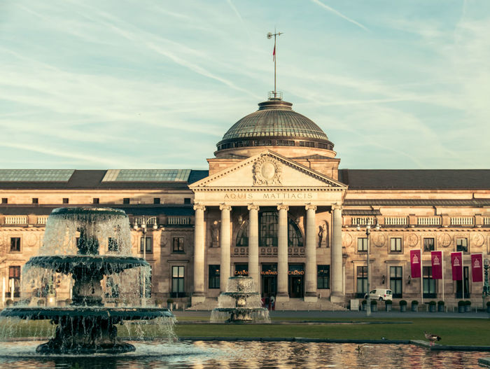 """The """"Kurhaus"""" in Wiesbaden (Germany) is an old spa house and the pride of this town. Architecture Architecture_collection Beautiful Day Building Exterior Calm Column Culture Façade Famous Place Fountain Germany GERMANY🇩🇪DEUTSCHERLAND@ Historic History Jetstream Old Buildings Sunny Day Walking Around The City  Water Water Fountain Wiesbaden"""