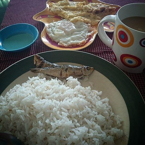 Goodmorning everyone! Having my breakfast. HappyTummy Foodporn Pinoy101