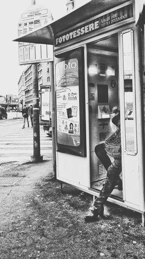 Fastliving / Fastfood - Taking Photos EyeEm Best Shots EyeEm Gallery EyeEm Best Edits Eye4black&white  The Week Of Eyeem This Week On Eyeem Black And White EyeEm Streets Streetphotography Street Photography Photobox Streetphoto_bw City City Life Urban Urban Lifestyle People Livingcity Sandwich Time Bus Stop Series Bus Stop Bnw Bus Station