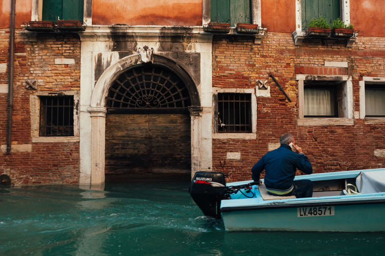 Adult Architecture Boat Canal Gondola - Traditional Boat Gondolier Men One Man Only People Phone Real People Venice