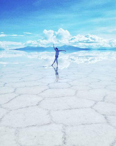 Bolivia Uyuni Salt Flat Bolivia Uyuni South America Reflection Landscape_Collection Lansdacape Beautiful Nature Original Experiences