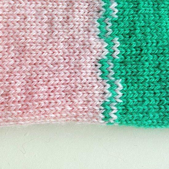 Closeup . . . . Knitwear Colourblock Knitdesign Handknit Knitstagram Knitspiration HandMadeIsBetter