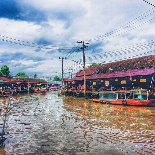 Thai culture Daturn Thaiculture . River . Rivermarket market amphawa. Travel uselife goon happytime