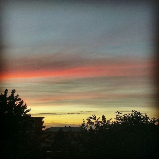 🌆 Yesterday Sky City Photo Dawn Gestern Himmel Stadt Foto Morgendämmerung