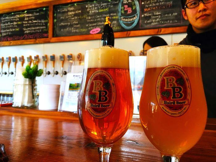 シーズニングビール Seasoning Beer Seasonscollection の、左のフルーツエール Fruits Ale セカンドストライクアップルエールsecond strike apple ale は、鋭い酸味のないシードルの様な印象だけれど、モルトの印象が強い。brisk, softly tart refreshingly dry. 右のウィートワイン Wheat Wine のウェストコーストwast coast wheat wine は、10%の高いアルコール Alcohol 度数がふくよかな味わいを作っている。richly bread & wholesome with a warm long-dry finish. Shuzenji Bairdbeer Taproom Brewery Travelphotography Craftbeer