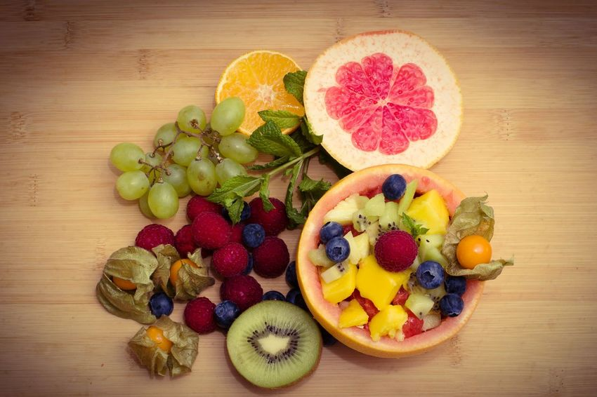 Variation Multi Colored Fruit Wood - Material Directly Above SLICE Arrangement Healthy Eating Grape Kiwi - Fruit Ready-to-eat Raspberry Fruitporn Grapefruits Mango<3 FRUIT SALAD!! YUMMY YUMMY  Delicious Fruit