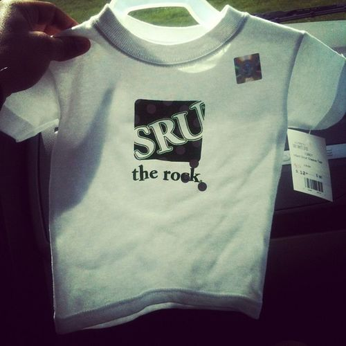 Ella's new little SRU t shirt Representttt Alittlebig @madison_weigle