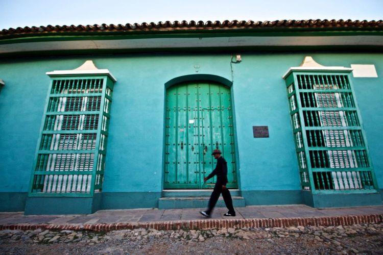 A little Walk at Cuba Cuba Latino Año Nuevo  Walk Green Colors