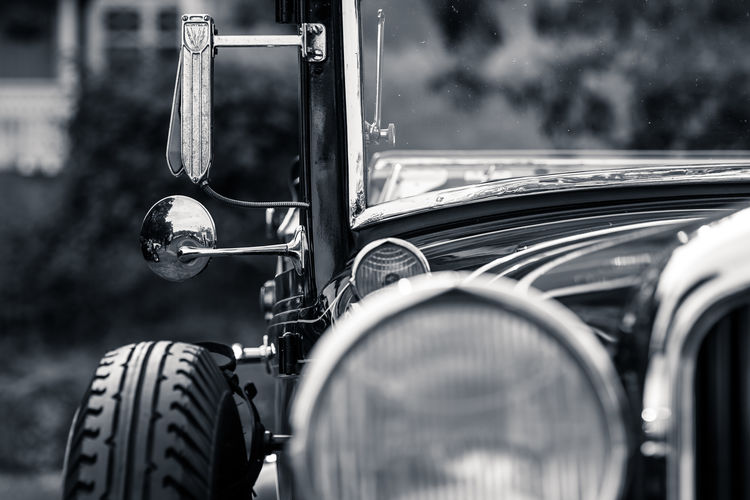 Beautiful vintage old retro car Black And White Car Close-up Cropped Day Focus On Foreground Glamour Glamourous Machine Part No People Nostalgic  Old Part Of Retro, Selective Focus Stationary Vintage Meinautomoment Mein Automoment