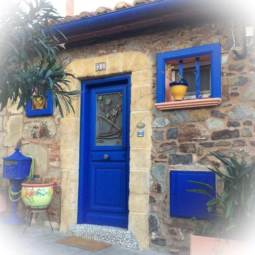 Tranquil Scene Tranquility Architecture Adapted To The City City Blue Building Exterior petite maison de Collioure Pyrénées Orientales