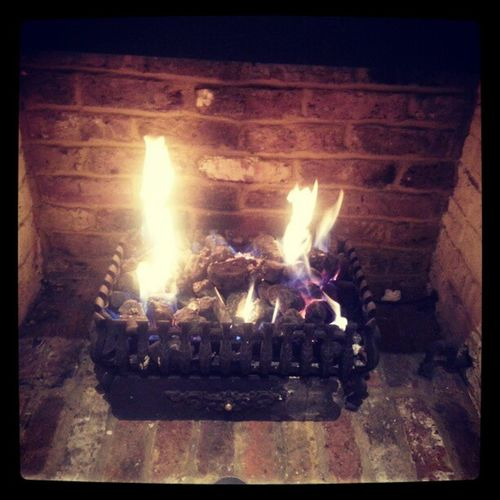 Chillin by the fire in what could become our new local in Chessington. The North Star. Good food, atmosphere and welcome!