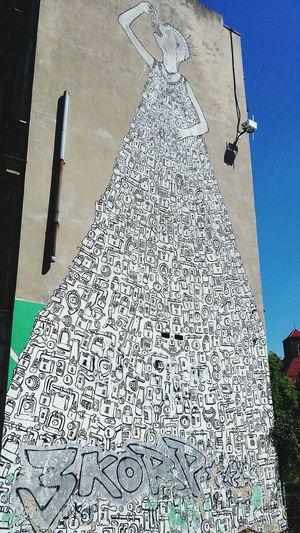My Smartphone Life Grafitti Streetphotography Art, Drawing, Creativity Art Street Photography Cityscapes City Street Portugal Cityscapes City Streetphotography Lights And Shadows Monochrome Op