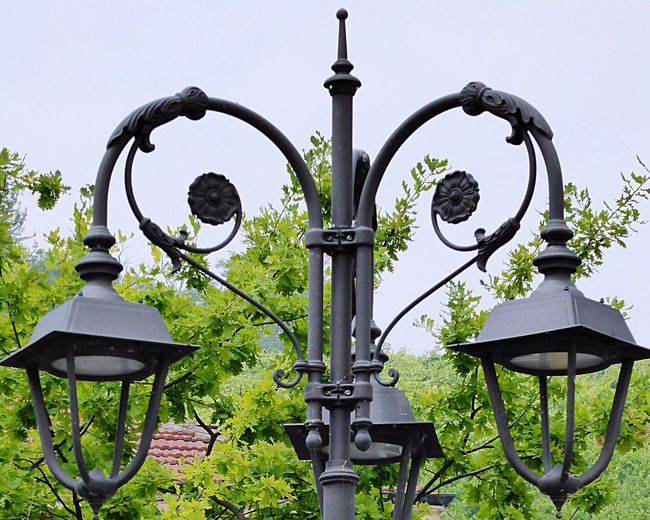 Italy🇮🇹 Barolo Vineyards Old But Awesome Street Lamp Steet Lights Street Life Look Up And Take A Picture📸 Feel The Journey Taking You On My Journey 😎 Special👌shot Fine Art Fine Art Photograhy Colour Of Life Details Of My Life No People
