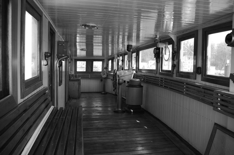 captain's bridge Captain's Bridge Captain Ship A Ship Will Coming Steam Ship Old Ship Nautical Nautical Theme Nautical Vessel Ships On The Water Black And White Black And White Photography Eyem Gallery Eyemphotography Pentax Pentax K5ll Water Architecture