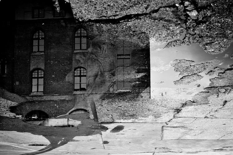 Reflektion Berlin Black And White Concrete Dramatic Angles Jr Portrait Reflection Street