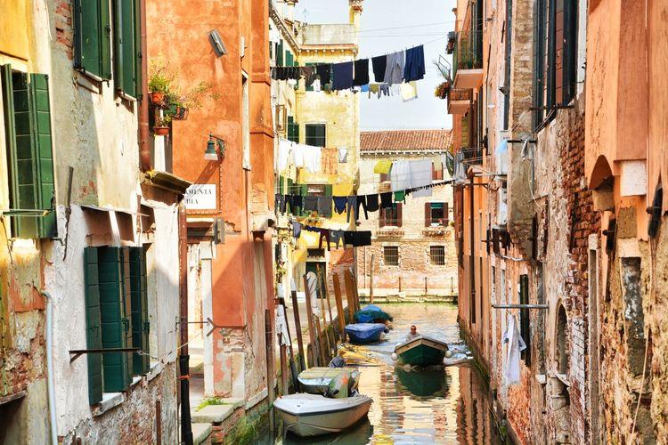 Venezia Travel Photography Scenics Nikon Tranquility OpenEdit Architecture Italy Italy❤️ Italia Travel Destinations Venice, Italy Venecia Canal Springtime Clothesline