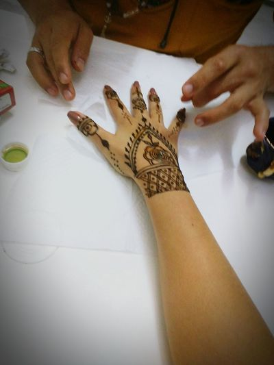 Art of Henna. I love it!!! Myfirtshennatatoo Henna Henna Tattoo Befree Bepretty Bewoman Girlswithtattoos