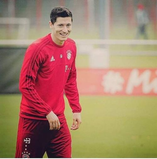 Robertlewandowski Lewarl9 Trainingcapture FavPlayer