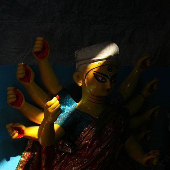 Ak chilte alo... (A little bit of sunlight) . . Durga Maa Durgautsov IAmDurgautsov AirtelPandalRun ThinkYellowThinkIdea Ig_calcutta Ig_kolkata Calcutta Kolkata Kolkata_igers Calcuttacacophony _soi _cic Soc Onlyinbengal Indiapictures Indianstories Indianfestival BongFestival Everydaykolkata Lonelyplanetindia LPIndia LPInstaTakeover